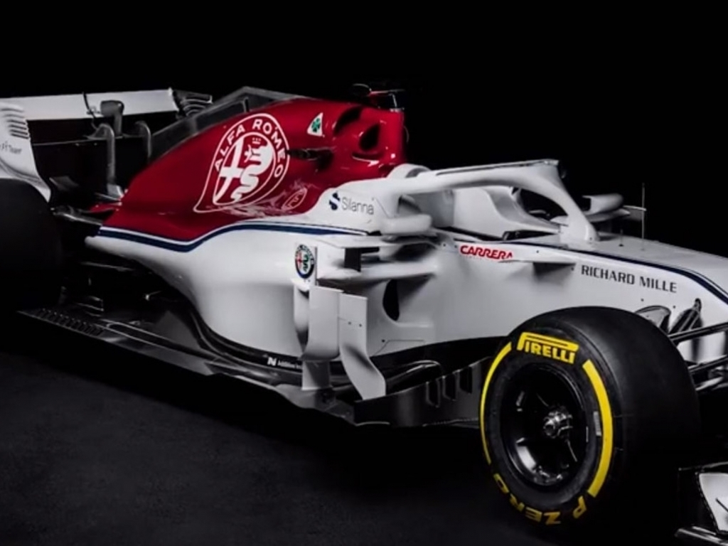 sauber unveil the alfa romeo branded c37 planetf1 planetf1. Black Bedroom Furniture Sets. Home Design Ideas